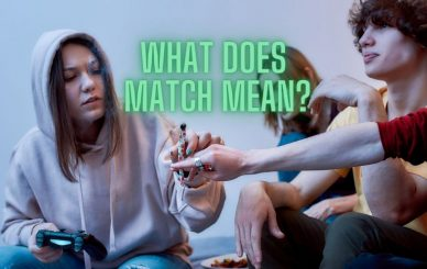group of young adults matching weed contributions in a blunt